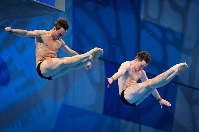 Saltadores Tom Daley e Matty Lee da Grã-Bretanha