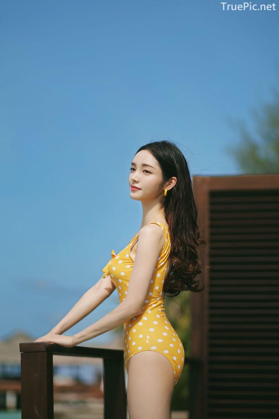 Korean fashion model Jeong Hee - Everyone once a monokini - Picture 11