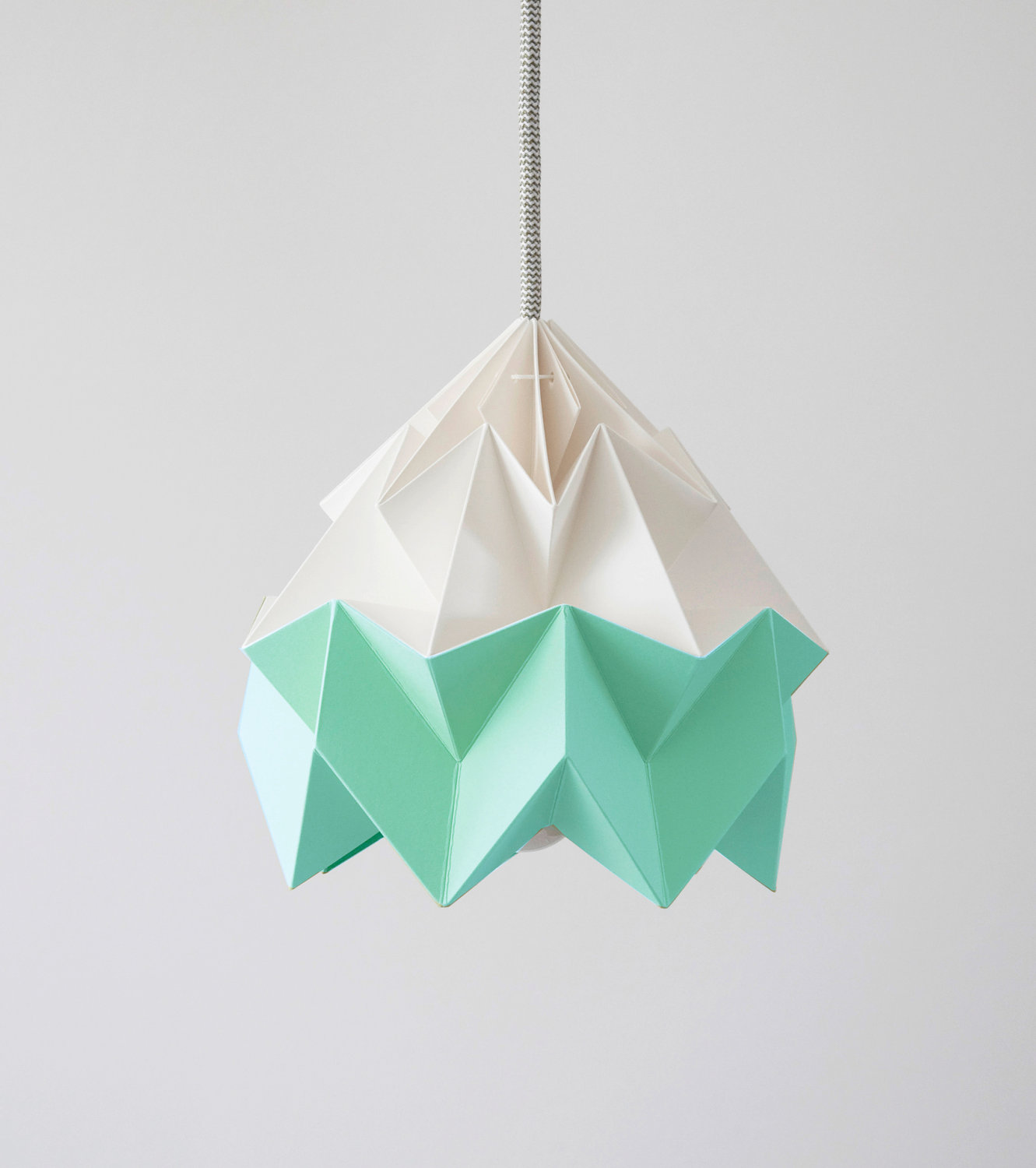 island of white lampes en papier vive l 39 origami. Black Bedroom Furniture Sets. Home Design Ideas
