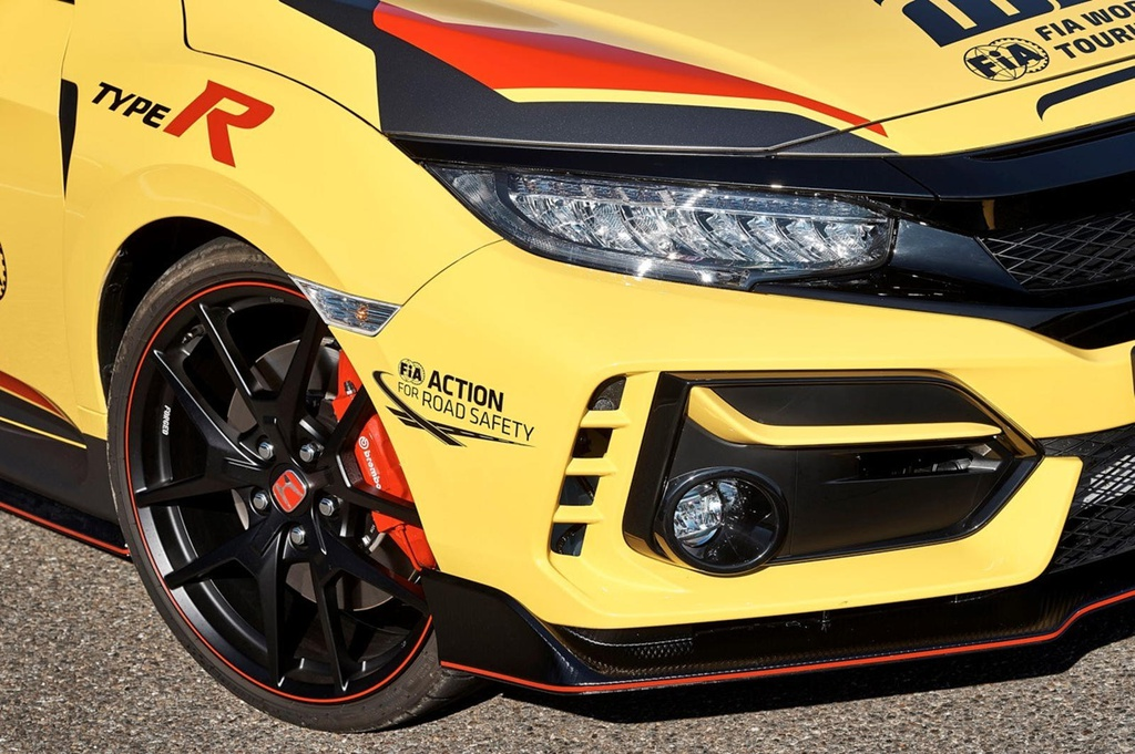 Honda Civic Type R phiên bản 'Xe an toàn' trên đường đua