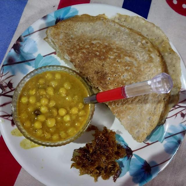 Chakuli pitha and ghuguni