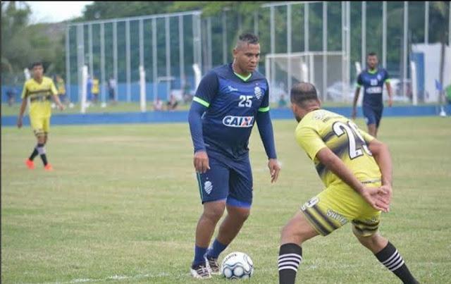 Atacante tinha contrato com o Goiás Divulgação