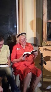 Η Κατερίνα Χέλμη διαβάζει απόσπασμα από το βιβλίο