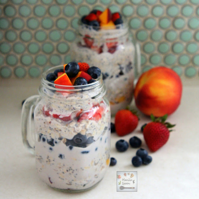 Make it the night before and wake up with a very tasty breakfast! Overnight flavored oatmeal, sweetened with a little honey and layered with fruits - healthy and delicious! | manilaspoon.com