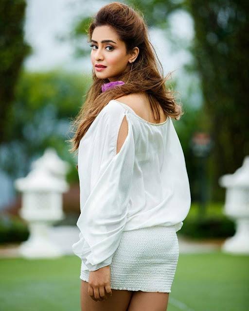 Paisa Vasool Heroine Muskan Sethi Photo Gallery 2017