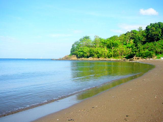 Pantai Lumpue