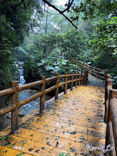 拉波波村營區暖東峽谷林相優美