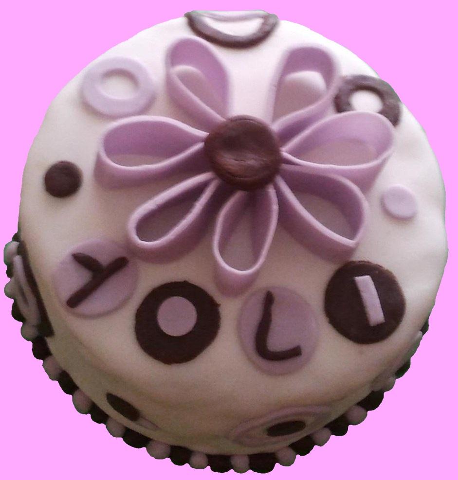 Andrea S Bakery Tarta Fondant Cumpleanos Yolanda