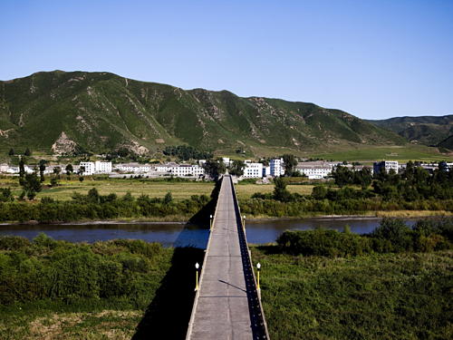 The river flows from North Korea to Russia