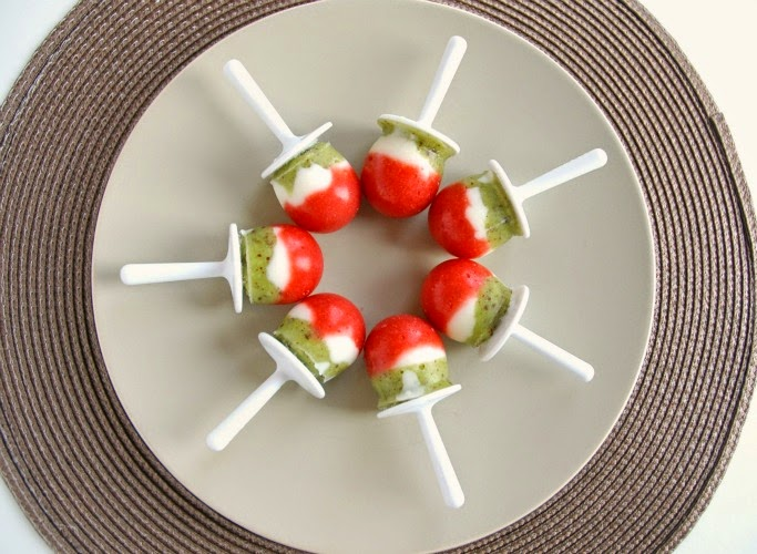 Christmas Popsicles- Healthy Holiday Snack or Dessert, made with fruit and yogurt