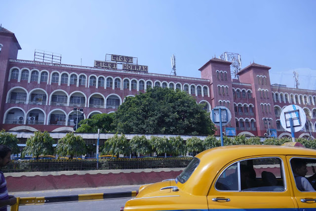 Top-5-Bigges-Railway-Station-in-India