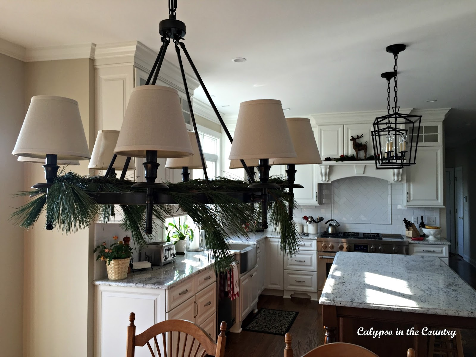 Simple Christmas Decor in Kitchen