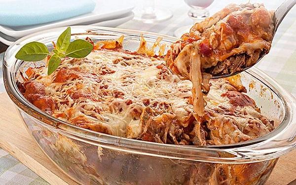 Receita de carne desfiada à parmegiana (Imagem: Reprodução/UOL)