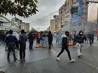 استمرار انتفاضة الشعب في طهران ومختلف المدن رغم الأعمال الوحشية للقمع والقتل