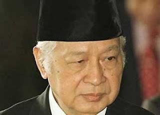 Bukti Soeharto Dianggap Tak Pantas Jadi Pahlawan