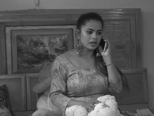 khule-aasman-ke-niche-web-series-download-filmyzilla