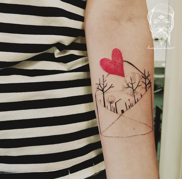 Lucy Bumpkin tetování