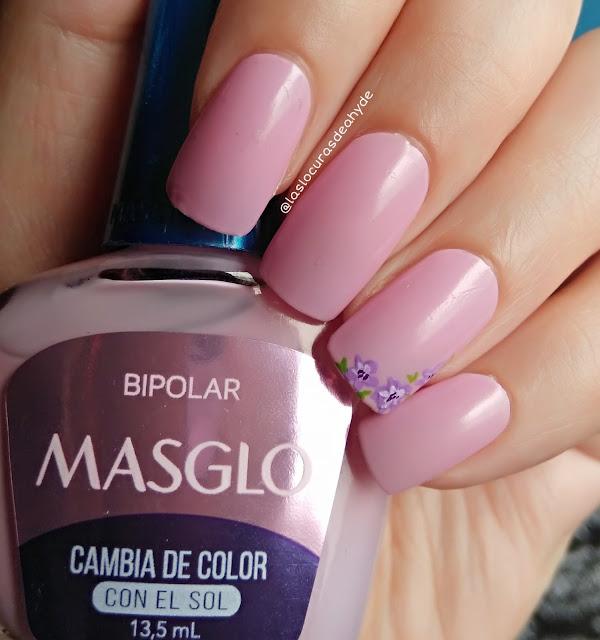 manicura con esmalte fotocromatico en color rosa
