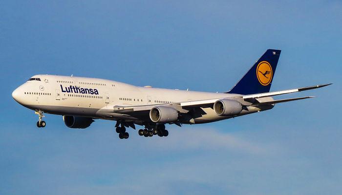 """Aerolínea Lufthansa no usará más el """"damas y caballeros"""" para saludar a sus pasajeros"""