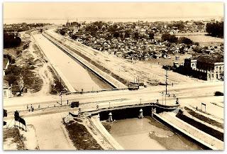Avenida Azenha e Ponte sobre Arroio Dilúvio, em 1951 - Porto Alegre, RS