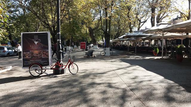 Γιάννενα: Είναι Κρίμα...για τον κόσμο  στην πλατεία Μαβίλης να μην έχει περισσότερο χώρο