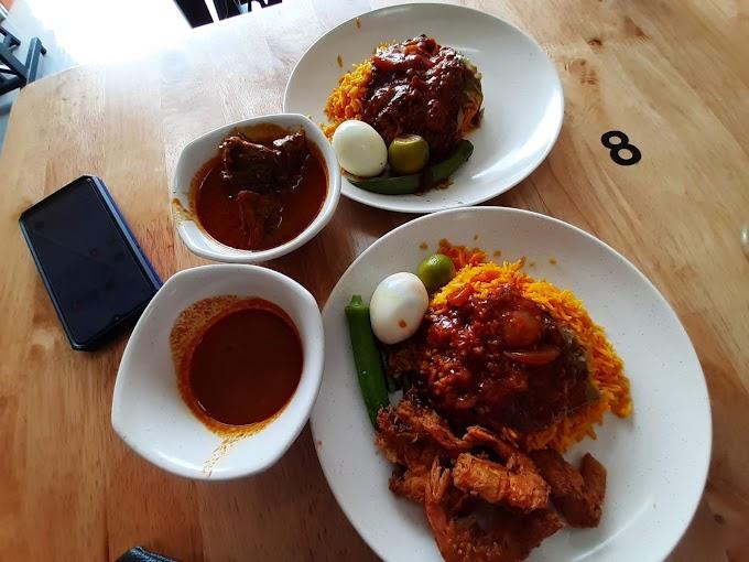 Makan Nasi Ganja di Restoran Nasi Kandar Selatan Batu Pahat