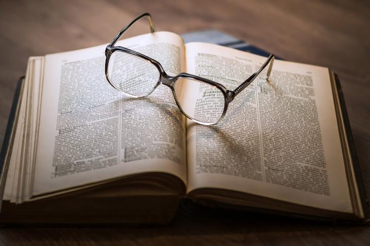 Cara Menulis Daftar Pustaka Dari Buku yang Benar Beserta Contohnya