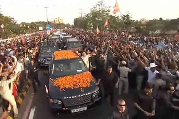 pm-narendra-modi-road-show-in-bhubneswar-odisha