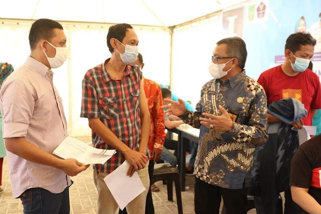 Sekda Batam Tinjau Pelaksanaan Vaksinasi Covid-19 Bagi Pekerja di Kawasan Industri Batamindo
