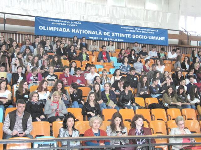 Două eleve din Vatra Dornei s-au clasat pe locul II la Olimpiada Naţională de Cultură Civică