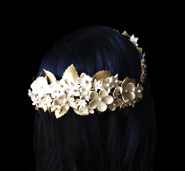 Porcelain bride crown · Corona porcelana novia