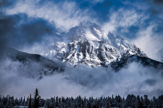 spring snowstorm in the tetons