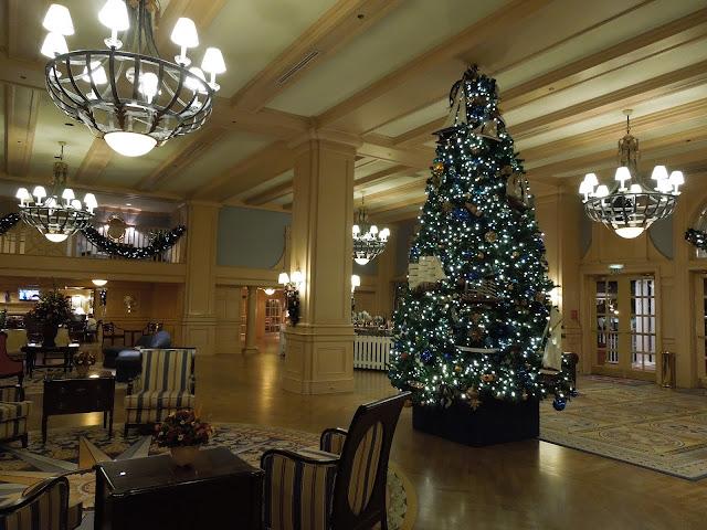 Yacht Club lobby