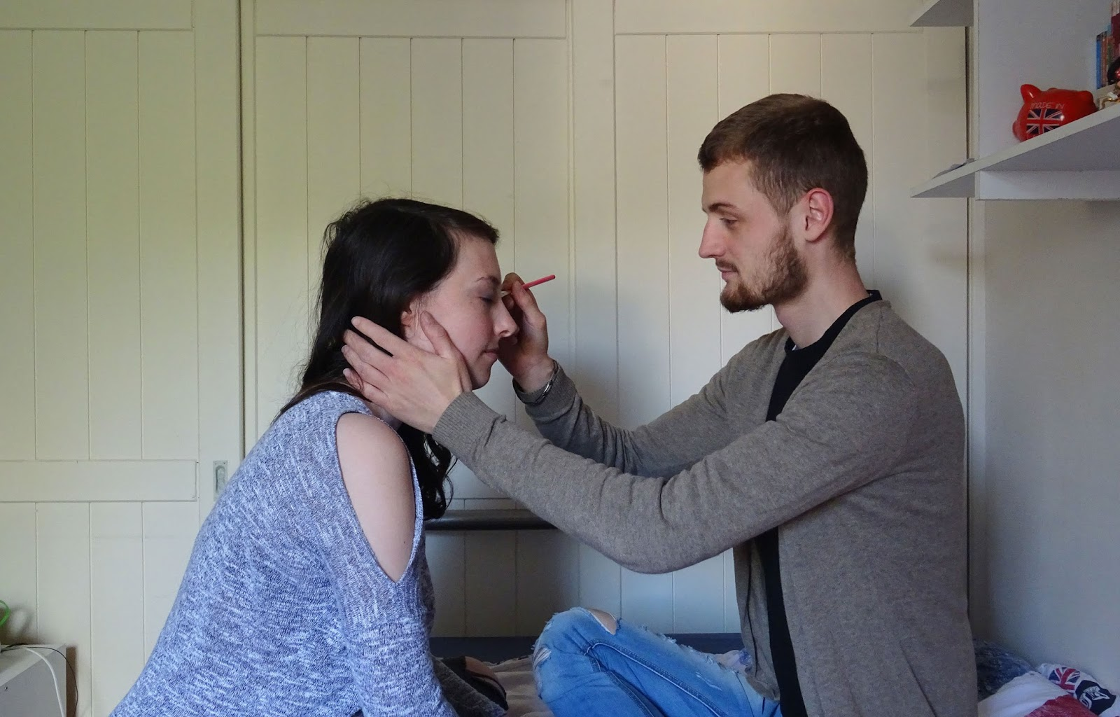 boyfriend does my make up