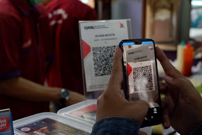 Pembayaran dengan QR Code LinkAja melalui aplikasi DANA