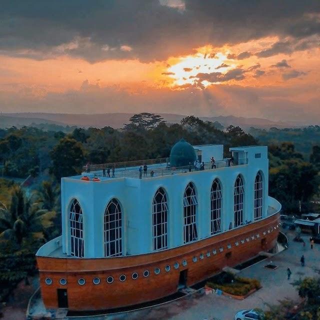 5 Objek Wisata Religi Terpopuler Semarang Dengan Arsitektur Keren