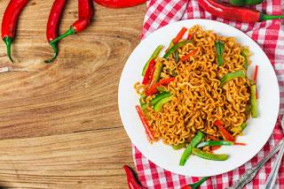 5 Manfaat Mie Instan Yang Gak Disangka-Sangka Banget, Bikin Nafsu Makan Naik