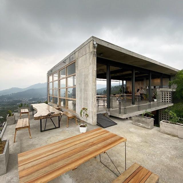 Cafe Concrete Batu Jawa Timur
