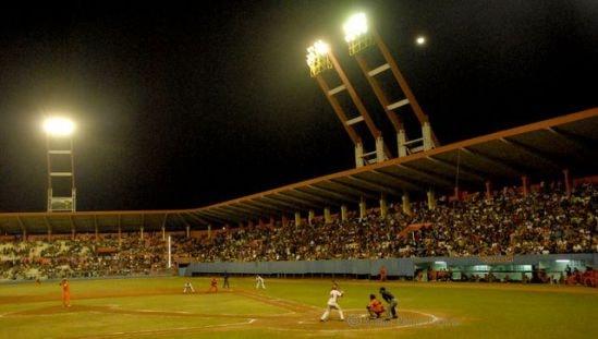 """¡Bueno!, pensando bien, en un béisbol de """"manigua"""" como el nuestro, los Cocodrilos son realmente """"buenos"""""""