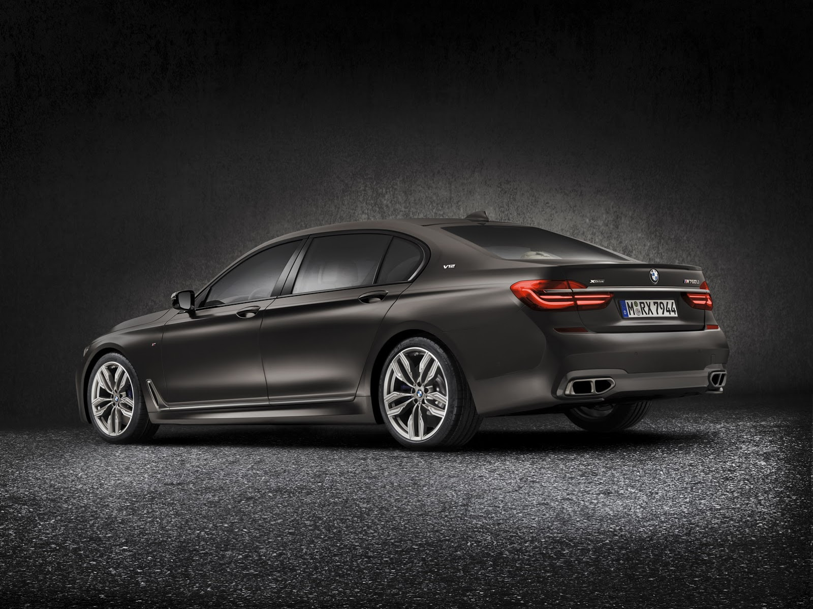 BMW M7 Price >> New BMW M760Li xDrive Gets Massive 6.6-Liter V12 Turbo With 600 Horses | Carscoops