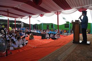Santri Tempuh Pendidikan di Pesantren Untuk Perdalam Ilmu Pengetahuan Agama