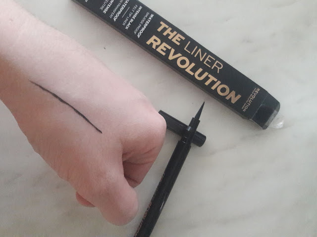 makeup revolution the liner notino.hr