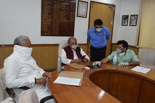 AGRICULTURE MINISTER SHRI NARENDRA SINGH TOMAR LAUNCHES ALL INDIA AGRI TRANSPORT CALL CENTRE NUMBERS 18001804200 AND 14488 TO FACILITATE INTER-STATE MOVEMENT OF PERISHABLES DURING LOCKDOWN
