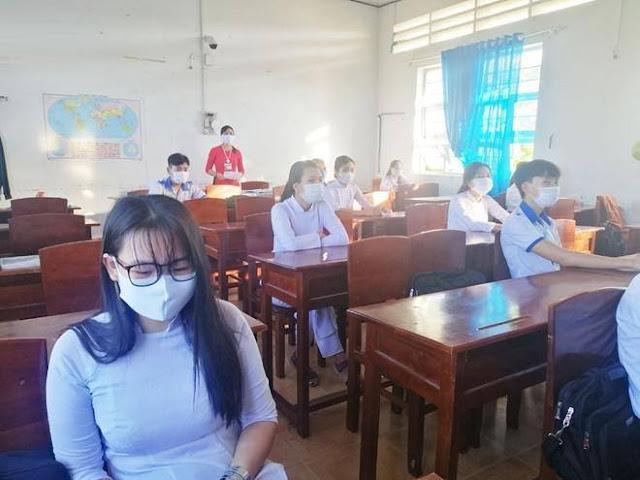 Quy định giãn cách học sinh 1,5 m trong lớp là không thực tế