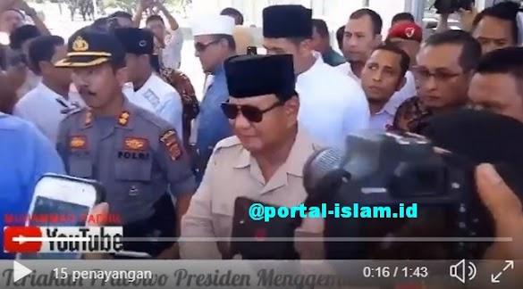 "Tiba di Aceh, Prabowo Disambut Teriakan ""Presiden"""