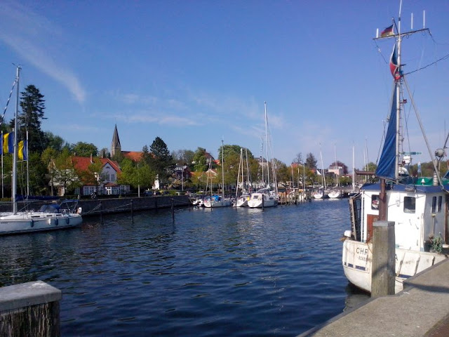 Gastbeitrag: Meine drei liebsten Orte an der Ostsee. Tipps und Empfehlungen für Ausfugs- und Urlaubsziele. Hier: Der Hafen von Eckernförde