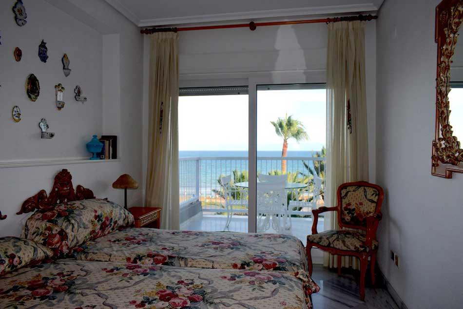 apartamento en venta paseo pilar coloma benicasim habitacion