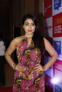 Shriya Saran Latest Pictures (3)
