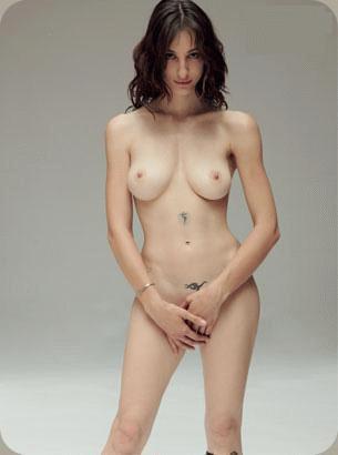 amelie latina nude