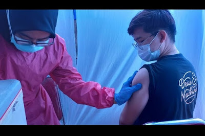 Disuntik Vaksin Covid-19, Pedagang Pasar di Kota Tangerang: Terima Kasih, Pak Jokowi